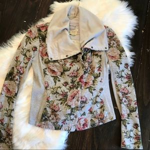 ➡️ final SALE!⬅️anthro floral print jacket